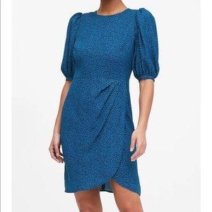Puff sleeve dress 💙